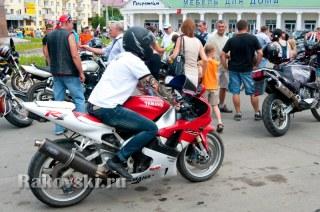 Байкеры на площади Шевченко. 14 июля 2012 года