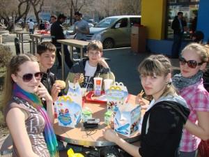 ОренИнфо-2011. День 1. Отмечаем в Макдональдсе