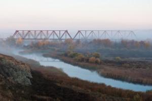 Старый мост на рассвете