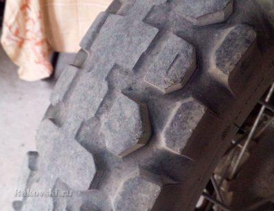 Задняя покрышка мотоцикла